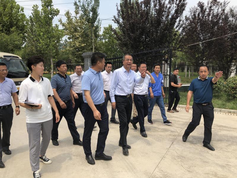 西安市副市长杨广亭到水乐天堂娱乐在线公司西安市长安区滦镇污水处理厂调研