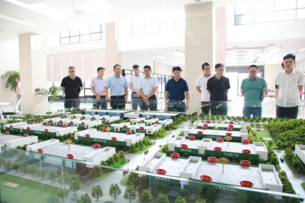 熊良虎赴中国西南再生资源产业园区考察调研
