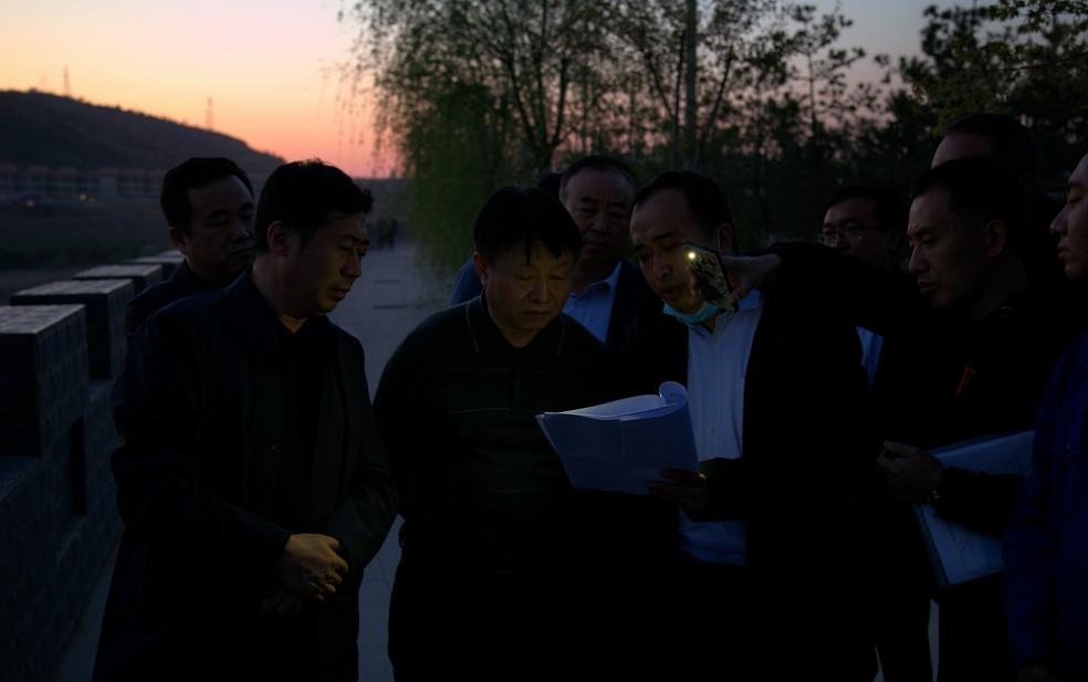 熊良虎在水bwin下载地址公司神木市污水处理厂调研